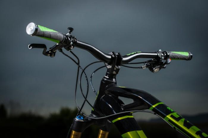 Mondraker-Dune-2014-650b-enduro-race-bike-x01-dune-xr-rr-r-10-780x520