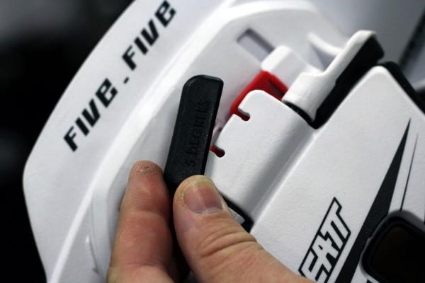 Leat-Five.Five-Neck-Brace-Rear-Plate-Adjustment-600x400