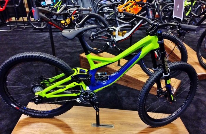 2015-specialized-demo-650B-downhill-mountain-bike-mountain-bike01